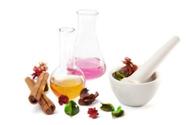 istockphoto_14998285-aromatherapy-set-isolated